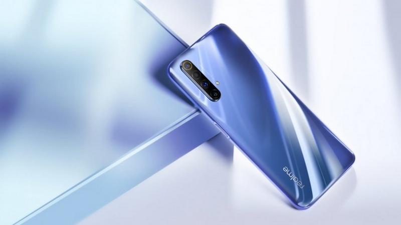 Realme X50 5G 'bằng xương bằng thịt' đây rồi, mặt sau bóng bẩy, màu sắc lạ quá