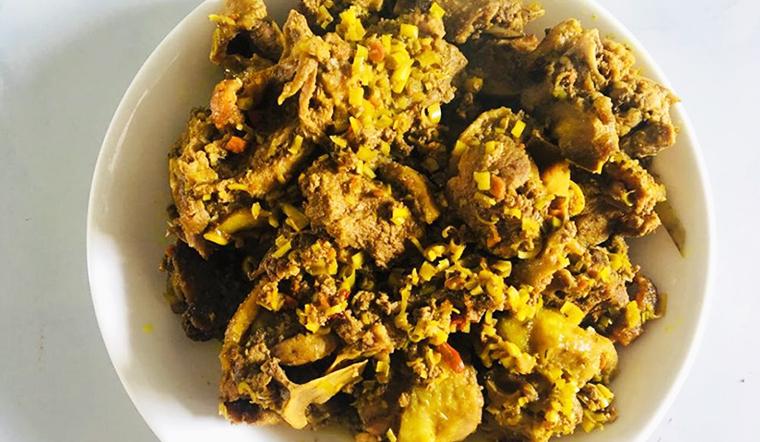 Cách làm món vịt kho sả nghệ đậm đà, thơm phức của chị Thoản