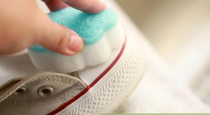 Giặt phần mũi giày