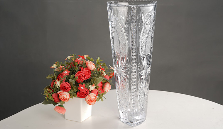 Mẹo làm sạch bình hoa, vệ sinh bình hoa, khử mùi bình hoa cực hiệu quả ngày Tết