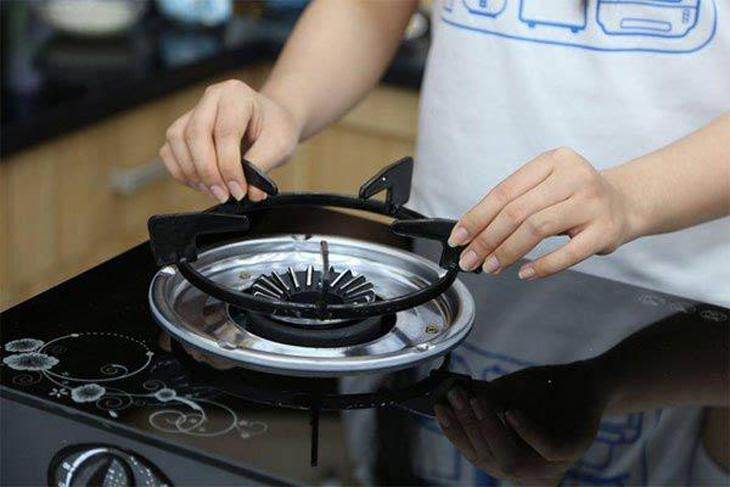 5 mẹo vệ sinh nhà bếp sạch bóng cả những chỗ bẩn nhất