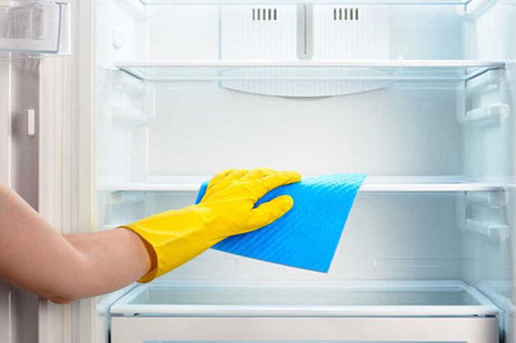 Lau tủ lạnh