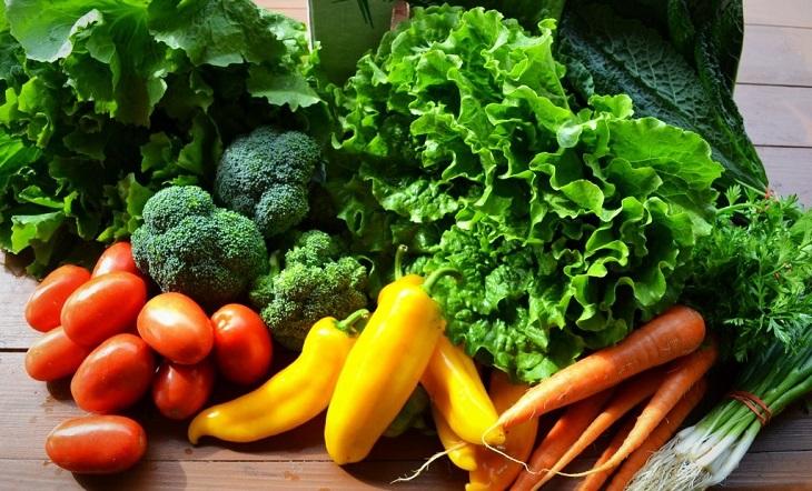 Đa số rau củ quả đều có hàm lượng carb cực thấp