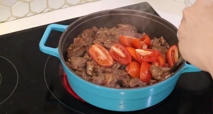 Bước 4 Nấu bò sốt vang Bò sốt vang