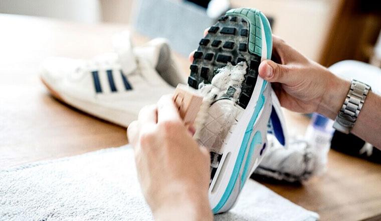 Cách giặt giày thể thao nhanh khô
