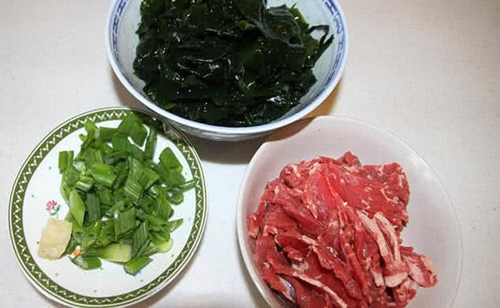 Nguyên liệu nấu canh bò và rong biển