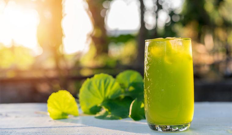 Sau Tết mụn tấn công, dùng ngay thức uống này sẽ giảm mụn đi hẳn