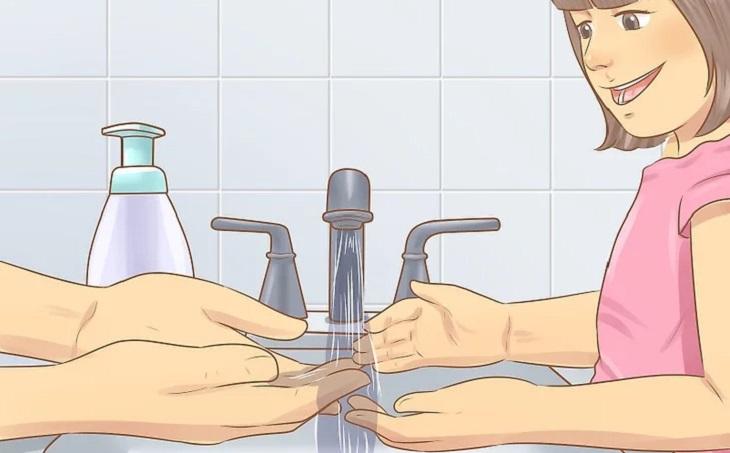 Hướng dẫn trẻ rửa tay đúng cách