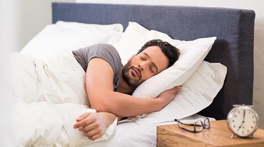 Ngủ và nghỉ ngơi đầy đủ, đúng giờ giấc