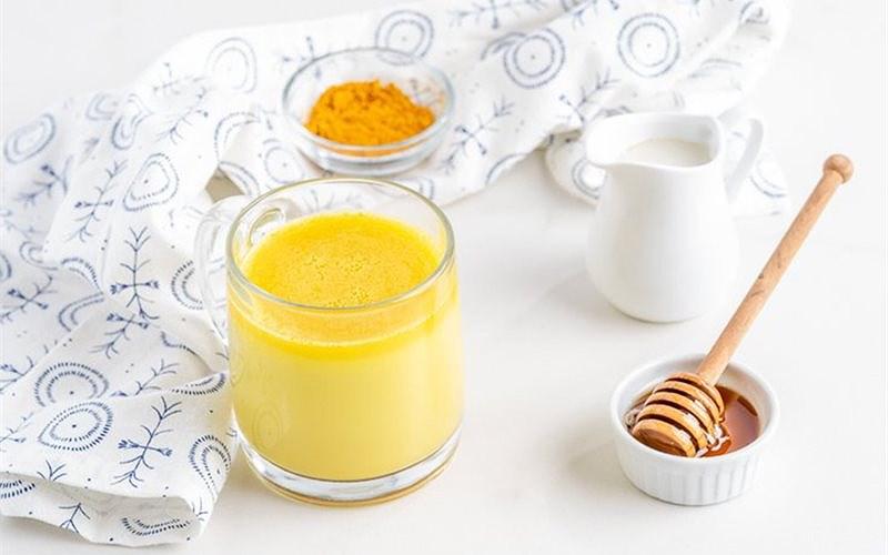Cách làm sữa nghệ tăng cường sức đề kháng, lại còn đẹp da