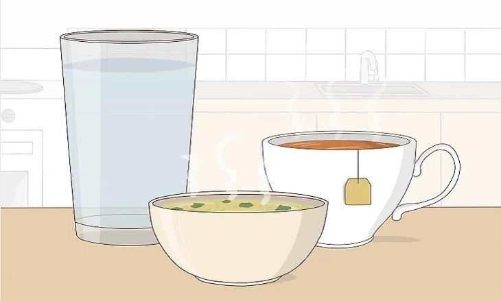 Uống nhiều nước, tiêu thụ các chất lỏng để giúp cơ thể mau lành bệnh
