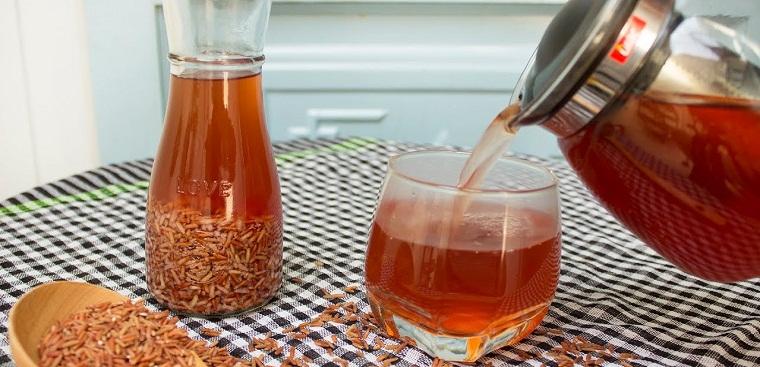 4 cách làm trà gạo lứt giảm cân, đẹp da đơn giản tại nhà