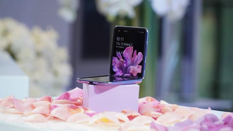 Đặt trước Samsung Galaxy Z Flip