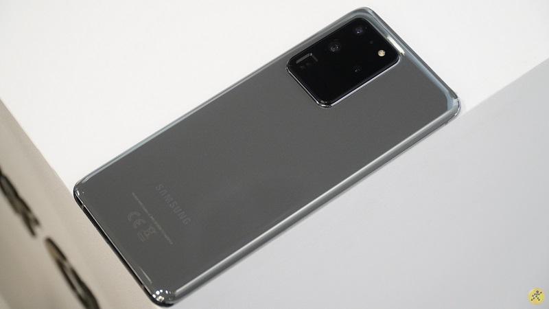 Mặt lưng ấn tượng của Galaxy S20 Ultra