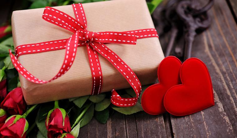 Trang trí hộp quà tặng Valentine, tặng là yêu ngay