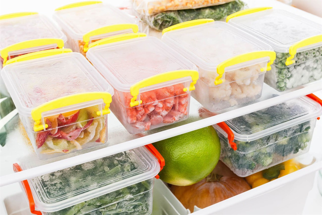 Bọc kín thực phẩm khi bảo quản thực phẩm trong tủ lạnh