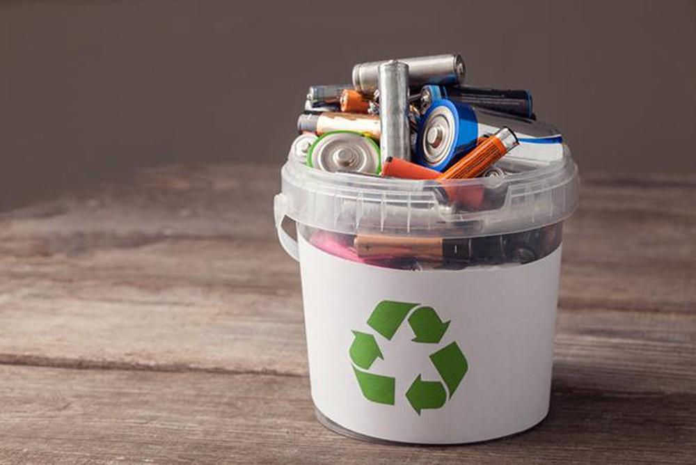Thu gom pin cũ giúp bảo vệ môi trường