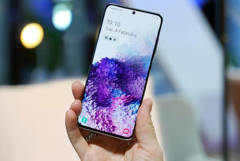 Vượt qua nhiều đối thủ sừng sỏ khác, Samsung Galaxy S20 Ultra đã xuất sắc trở thành smartphone có màn hình đẹp nhất thế giới