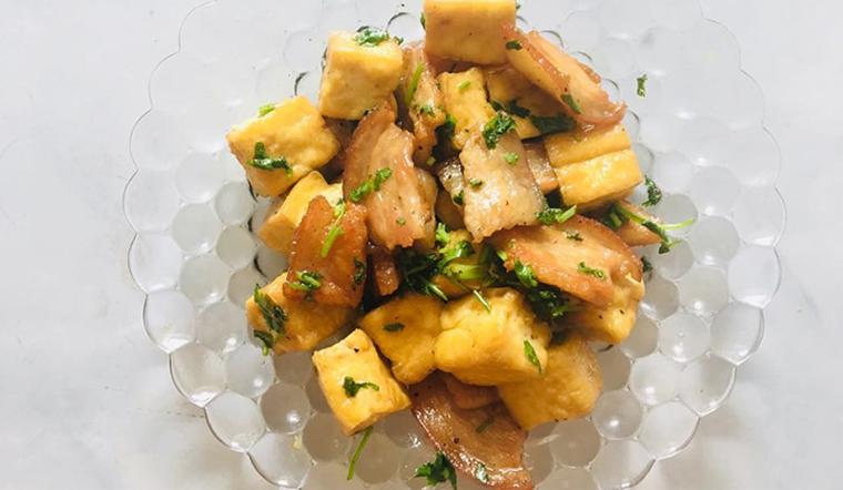 Anh Tân chia sẻ cách làm thịt heo rang đậu hũ đơn giản và nhanh cho bữa cơm chiều
