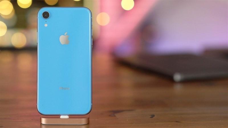 Hiệu năng mạnh mẽ, pin trâu, giá tốt, iPhone Xr là chiếc smartphone bán chạy nhất thế giới trong năm 2019