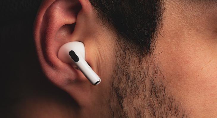 Chắc chắn khi đeo trên tai - Apple AirPods Pro