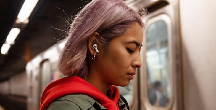 Thiết kế mới giúp chống ồn tốt hơn, khó rớt hơn khi đeo - Apple AirPods Pro
