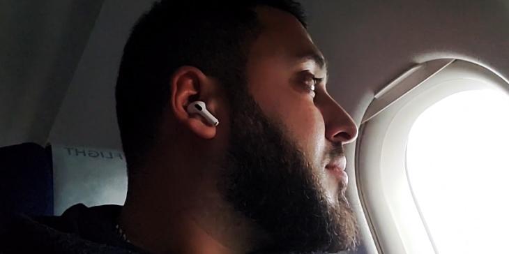 Chống ồn rất tốt ngay cả khi đi xe máy ngoài đường hoặc trên máy bay - Apple AirPods Pro
