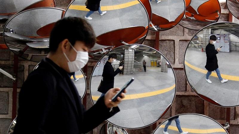 Hàn Quốc phát hành ứng dụng cảnh báo khi người dùng lại gần nguồn dịch khoảng 100m, nhanh chóng đạt được hàng triệu lượt tải