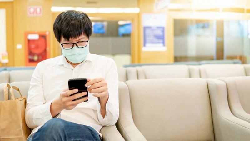 Virus Covid-19 có thể tồn tại lên đến 96 giờ trên màn hình smartphone, anh em chú ý giữ gìn vệ sinh những ngày này