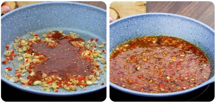 Bước 2 Pha nước sốt Vịt lộn nướng muối ớt