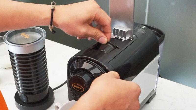 Cách sử dụng cà phê viên nén với máy pha cho ly cà phê chuẩn vị