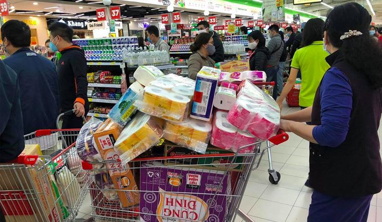 Người dân không nên tích trữ thực phẩm, hạn chế đến nơi đông người