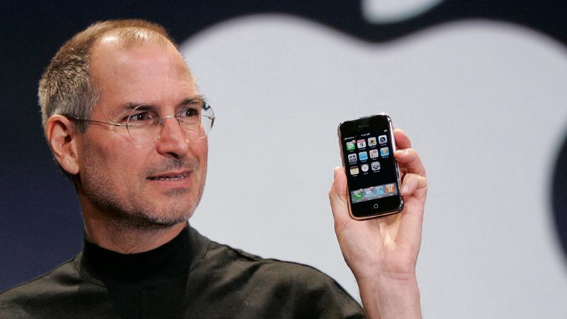 Smartphone màn hình thường vs Smartphone màn hình gập  Smartphone màn hình thường vs Smartphone màn hình gập 1 1567589174 800x450