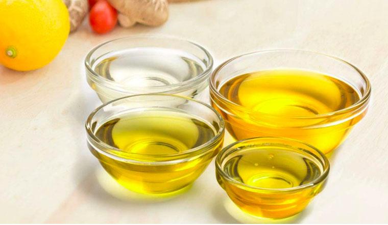 Dầu ăn nguyên chất và dầu ăn tinh luyện khác nhau như thế nào, dùng loại nào sẽ tốt hơn?