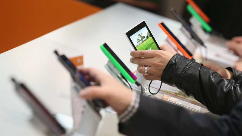 Smartphone 500.000 đồng đã sẵn sàng, kỳ vọng phổ cập 100% dân số Việt