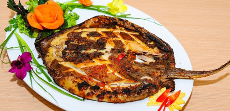 2 cách làm cá đuối nướng nghệ và nướng muối ớt