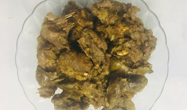 Cách làm món thịt vịt om sấu đạt được hương vị chuẩn ngon của chị Trang