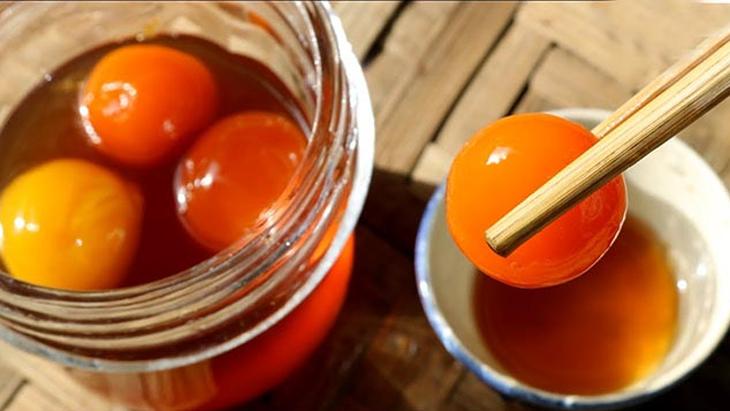 Trứng gà ngâm mật ong có nhiều tác dụng tốt cho sức khỏe
