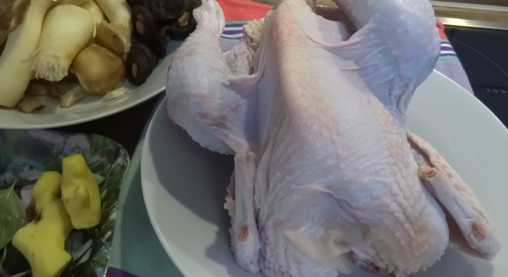 Nguyên liệu nấu bún măng gà