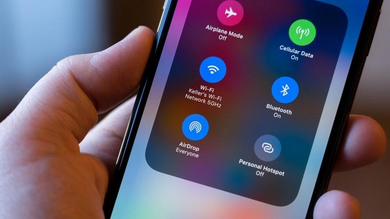 Tính năng AirDrop trên iPhone