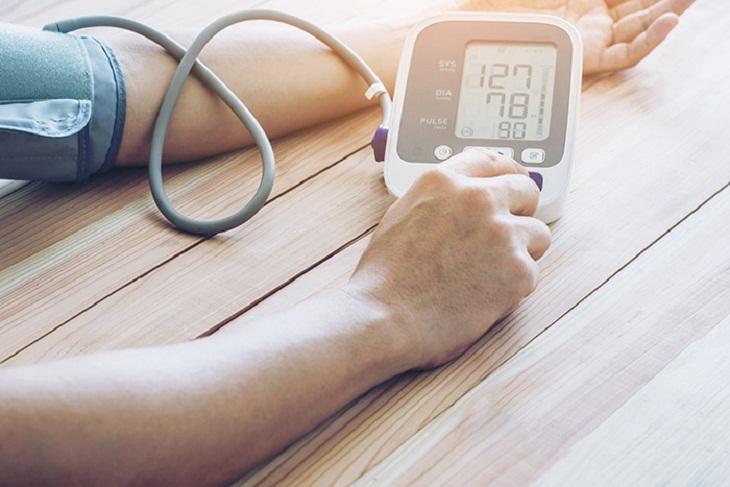 đo huyết áp nhiều lần trong ngày để có kết quả chính xác