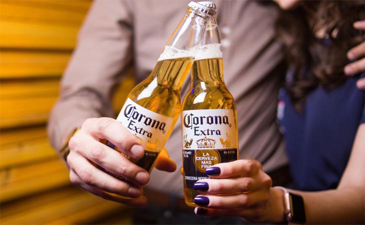 Bia corona mang hương thơm tequila, loại hương liệu chiết xuất từ cây Blue Agave