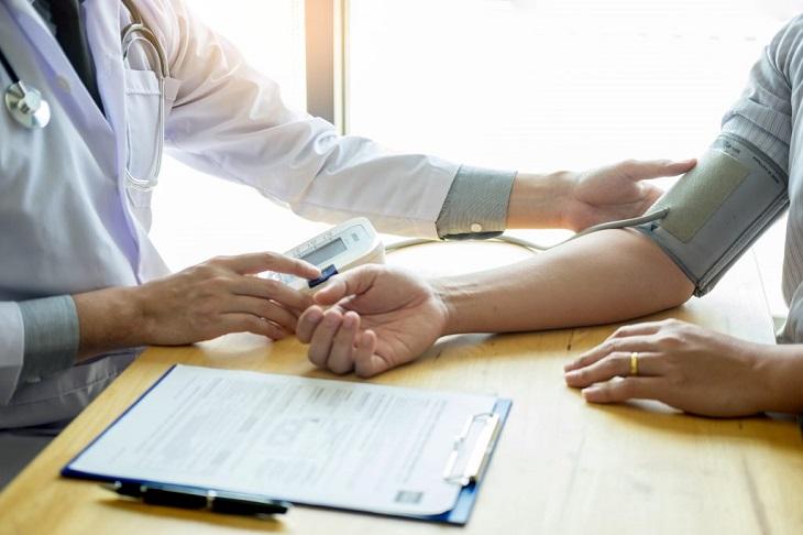 Thoát khỏi tâm lý hoảng sợ khiến huyết áp đặc biệt tăng cao khi đến bệnh viện