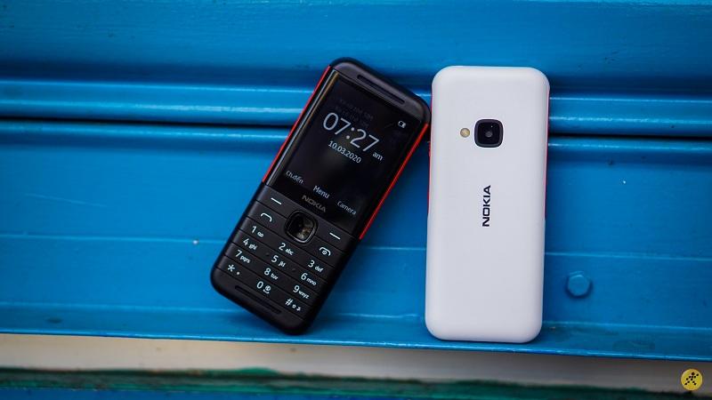 Nokia 5310 (2020) đen và trắng