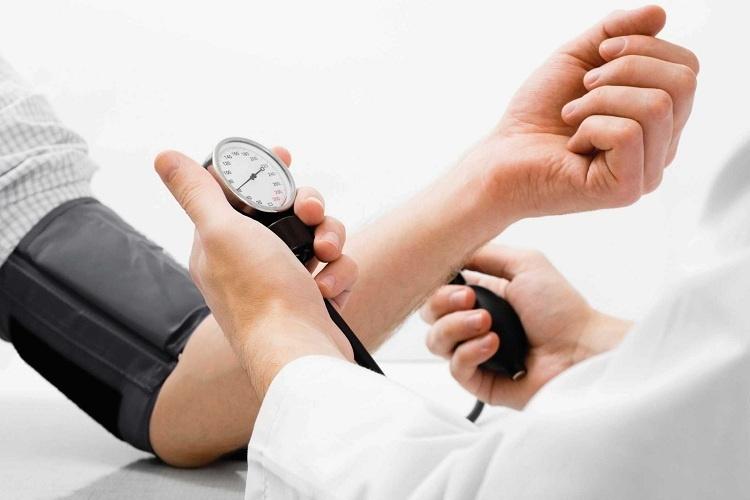 Hạ huyết áp là gì? Nguyên nhân và cách khắc phục