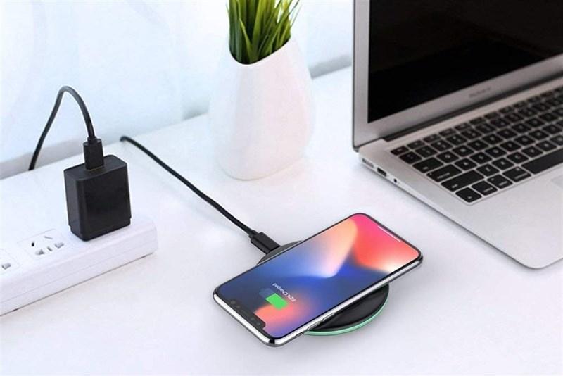 [Đâu Là Tốt #3] Sạc điện thoại có dây VS Sạc điện thoại không dây