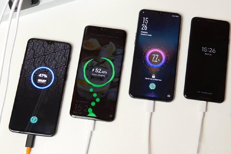 [Đâu Là Tốt #3] Sạc điện thoại có dây VS Sạc điện thoại không dây  Sạc điện thoại có dây đối đầu Sạc điện thoại không dây: Bạn thích tiện dụng hay thể hiện đẳng cấp? oppo reno 800x533
