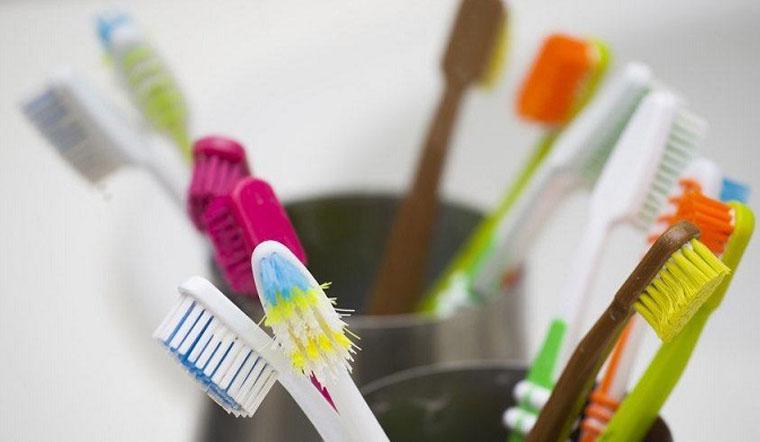 Những công dụng cực hay ho của bàn chải đánh răng cũ mà bạn nên biết