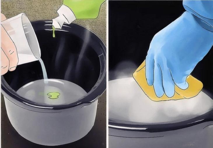 Bước 2: Dùng xà phòng rửa chén và nước nóng.