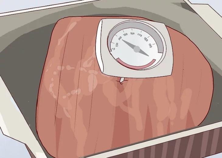Kiểm tra nhiệt độ.